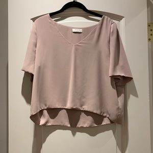 Stylish light pink Aritzia Babaton blouse